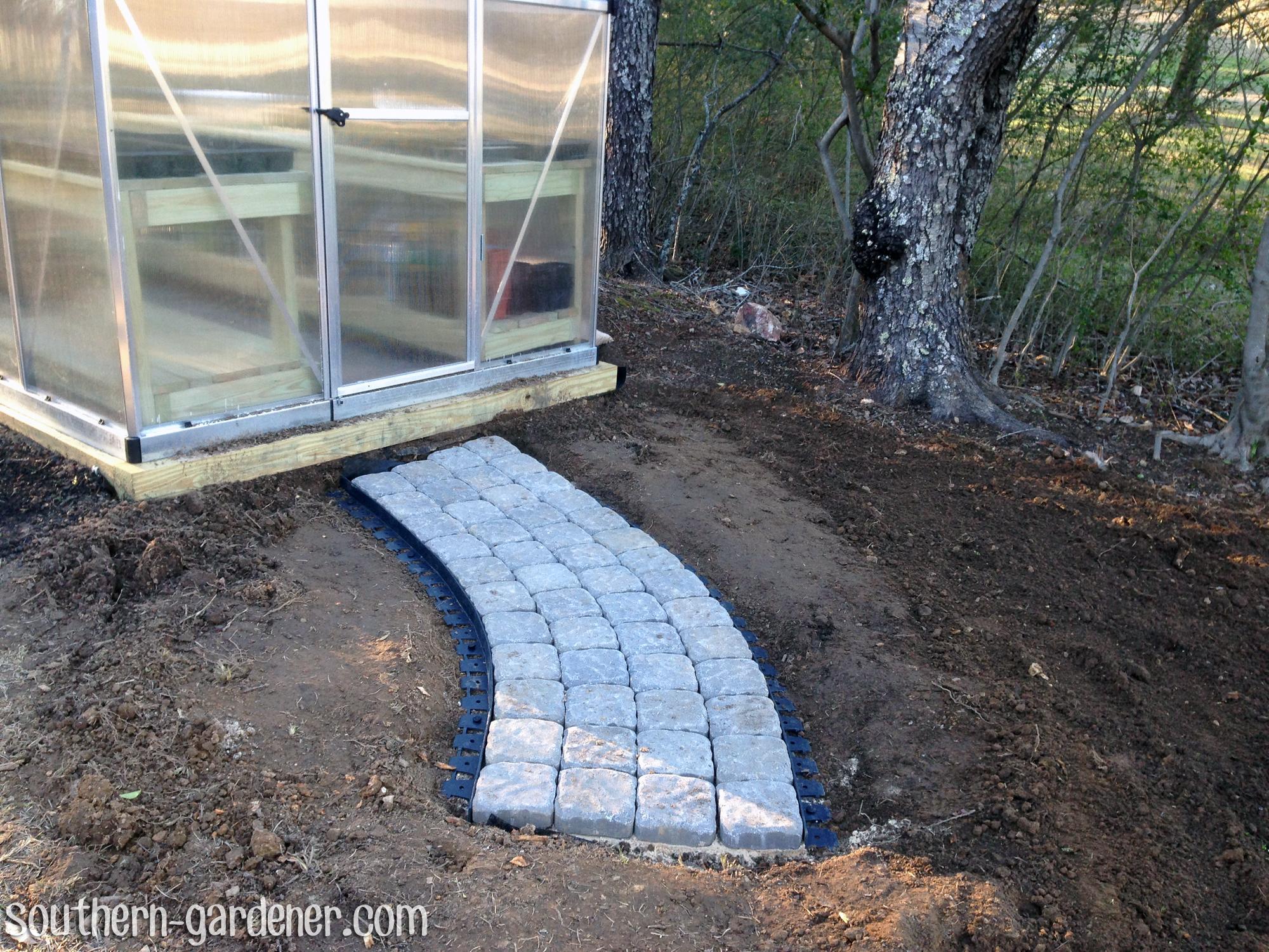 DIY curved walkway