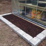 retaining wall bricks for flower bed