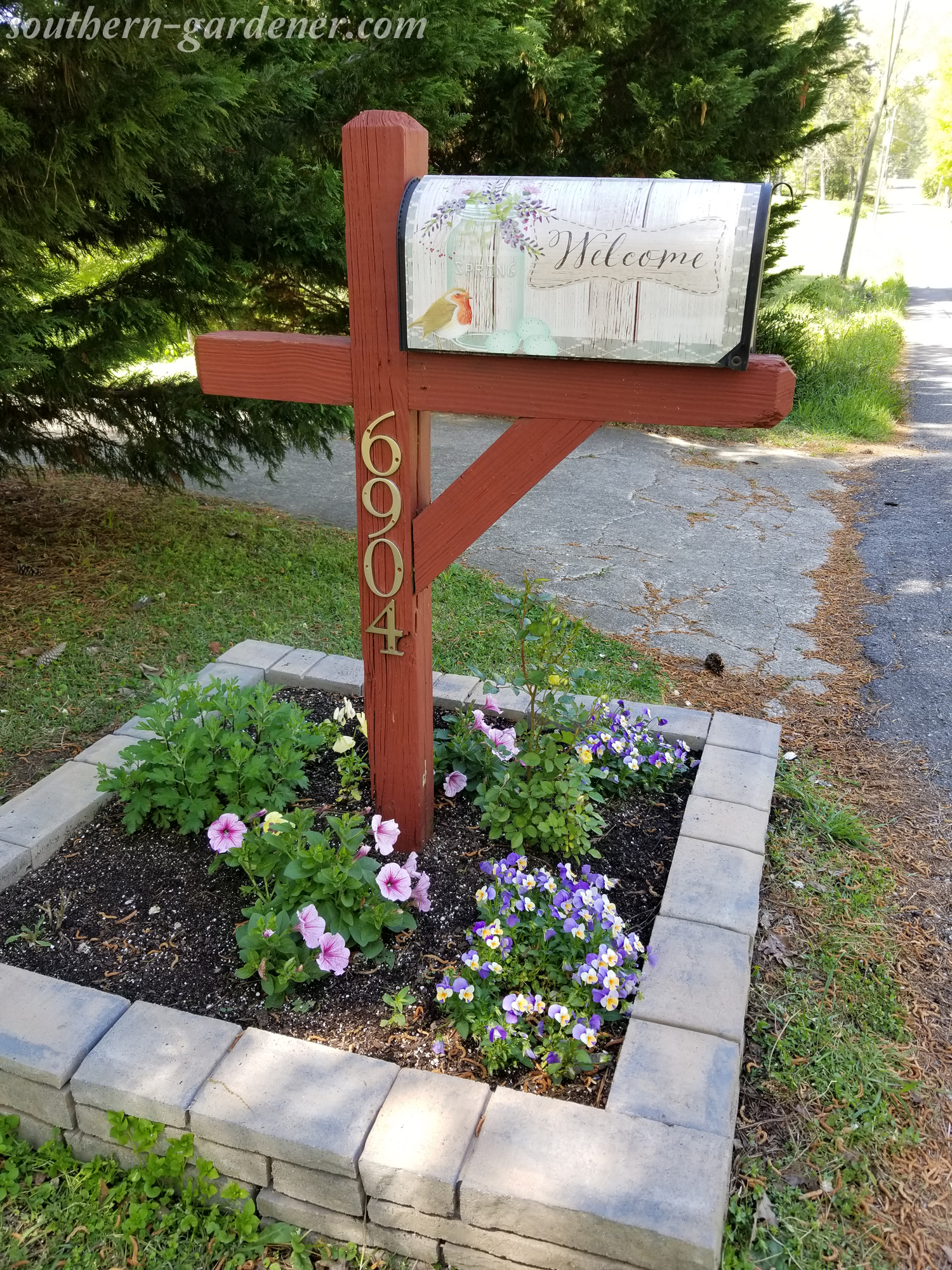 Mailbox Landscaping & Makeover – The Southern Gardener