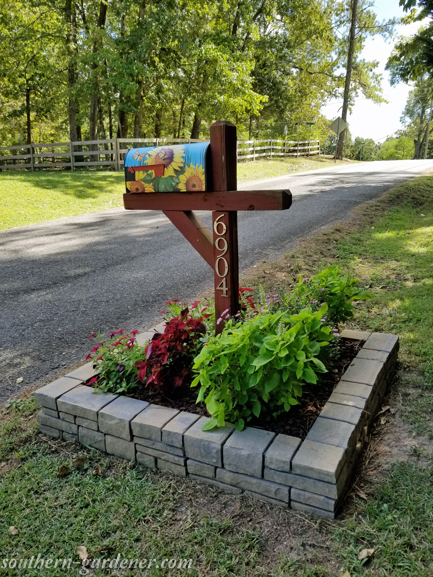 Mailbox Flowerbed Makeover The Southern Gardener